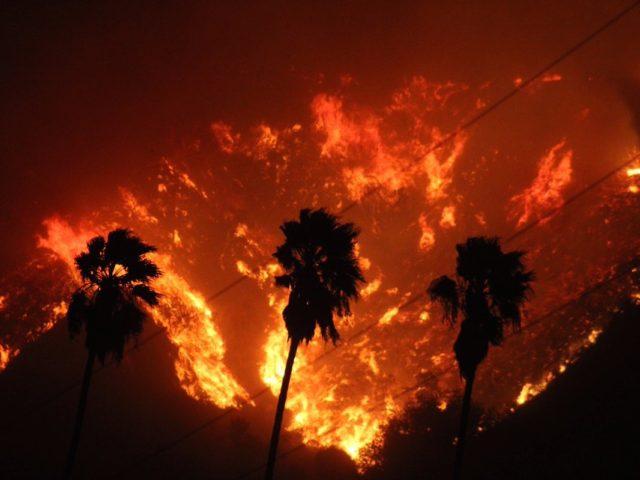 Fire At Santa Paula >> Ventura County Fire Raging in California - Kuwait Today