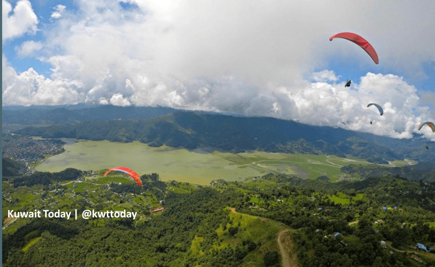 Nepal paragliding