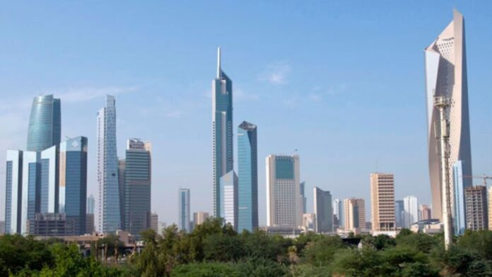 Kuwait: More than 197,000 people leave in three months