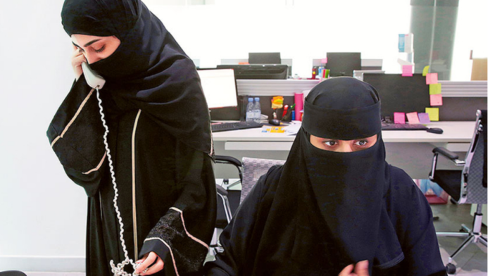 Saudi Arabia grooms citizens to replace expats in private sector