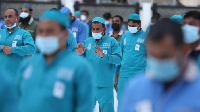 Saudi Arabia to remove key restrictions on foreign workers