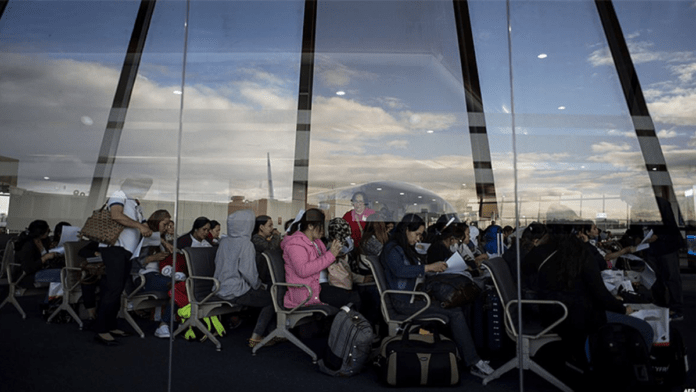 Kuwait's Cabinet approves return of domestic workers from banned countries