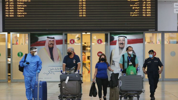 Kuwait loses over 100 million dinars due to airport closure